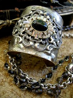 ❥ French Nuance Cuff by Diana Frey ❥