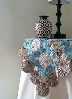 Items similar to DIY Table Cover, How to Cloth Table Covers, How to Make Table Runners on Etsy Easy Sewing Projects, Quilting Projects, Sewing Crafts, Cloth Table Covers, Yo Yo Quilt, Patchwork Table Runner, Deco Floral, Sewing Table, Table Toppers