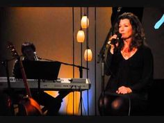Amy Grant in concert in Orlando on October 2010 Worship Songs, Praise And Worship, Names Beginning With G, Hymns Of Praise, Amy Grant, Emmylou Harris, Christian Singers, Spiritual Songs, Country Charm