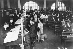 Ellis Island inspectors question new immigrants. Can you imagine the stress? From JAHA's online photo galleries for the Heritage Discovery Center's education programs.