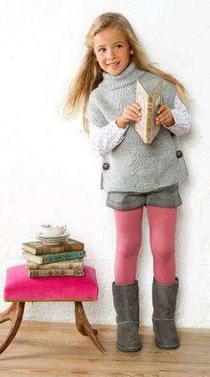 (Looks like a doable sweater pattern) Moda infantil Sfera otoño invierno 2012 2013 Little Girl Outfits, Cute Outfits For Kids, Little Girl Fashion, Fashion Kids, Toddler Fashion, Fashion Fashion, Short Fille, Outfits Niños, Fashion Outfits