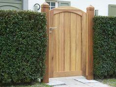 houten poortje Cedar Gate, Wooden Garden Gate, Wooden Gates, Garden Doors, Fence Doors, Fence Gates, Bristol Houses, Building A Gate, Front Porch Remodel
