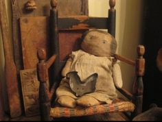 Primitive doll...Love her...this is from my friend Justine..www.picturetrail.com/mycronynprimitives