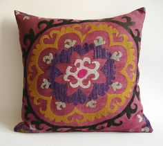 Sukan / Vintage Hand Embroidered Silk Suzani Pillow Cover