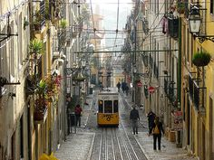 Lisboa, lisboa, #lisboa I rode in one of those. Wouldnt mind goin back.