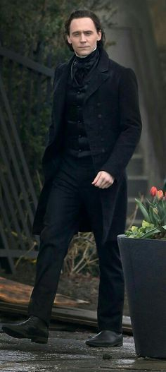 Tom Hiddleston...looking hot!