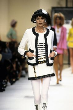 The complete Chanel Spring 1994 Ready-to-Wear fashion show now on Vogue Runway.