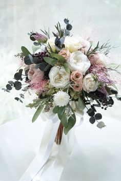 It is a clutch bouquet that arranges beige pink rose to White Rose. Naturally bundled with eucalyptus leaves It is a clutch bouquet that arranges beige pink rose to White Rose. Naturally bundled with eucalyptus leaves Prom Flowers, White Wedding Flowers, Bridal Flowers, Floral Wedding, Elegant Wedding, Boquette Wedding, Rare Flowers, Wedding White, Flowers Nature
