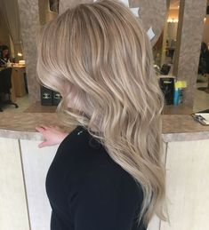 chic beige blonde hair color for 2017