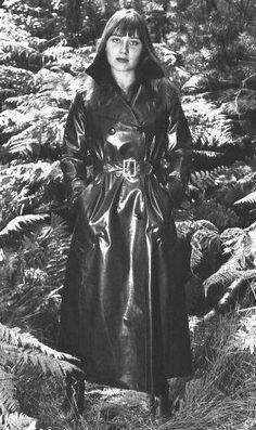 Raincoats For Women Simple Code: 9502650623 Black Raincoat, Pvc Raincoat, Hooded Raincoat, Plastic Raincoat, Vintage Leather, Vintage Black, Vintage Style, Vintage Fashion, Women's Fashion