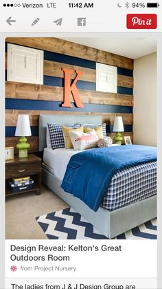Oooh...that navy and pallet wall.  SWOON!