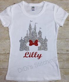 Disney Castle/Cinderella Castle/Kids Disney Shirts/Custom Disney/Glitter Castle Shirt/Personalized Disney Shirt - Vinyl Shirt - Ideas of Vinyl Shirt - Disney World Shirts, Disney Shirts For Family, Disney Tees, Shirts For Girls, Disney Princess Shirts, Disney Princesses, Disney Diy, Disney Girls, Punk Disney