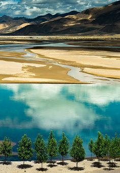 90 degree from planet earth by CoolbieRe, via Flickr    tibet