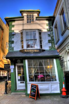 The Crooked House of Windsor, UK Destination: the World