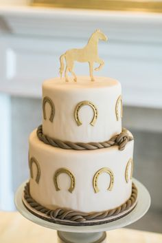 Golden Birthday Party Cake | cowgirl party | | cowgirl party ideas | #cowgirlparty #cowgirlpartyideas http://www.islandcowgirl.com
