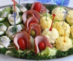 śledzie - PrzyslijPrzepis.pl Potato Salad, Potatoes, Ethnic Recipes, Food, Potato, Meals, Yemek, Eten