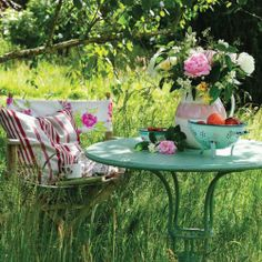 Summer Garden Party With Pretty Florals