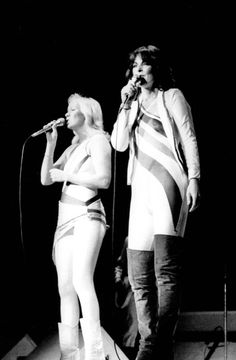 Anna and Frida Glasgow, Best Of Abba, Frida Abba, Abba Mania, Photography Movies, White Costumes, Anna, Ncis, Greatest Hits