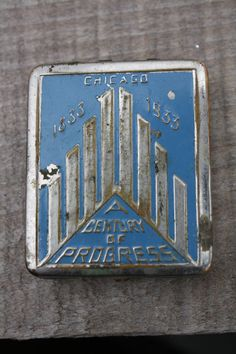1930s Vintage Chicago World's Fair Compact by AppalachianVintage, $17.00