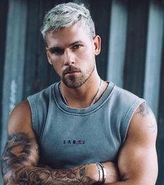 Beautiful Men Faces, Gorgeous Men, Tatted Men, Beard Quotes, Beard Model, Beard Styles For Men, Curly Hair Men, Beard Gang, Sexy Shirts