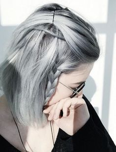 Die 32 coolsten grauen Frisuren für jede Länge und Alter | click to more ==> https://neuestefrisuren2018.com