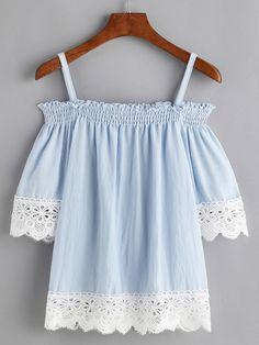 Blusa fruncida con hombros descubiertos y ribete con encaje en contraste - azul-Spanish Romwe