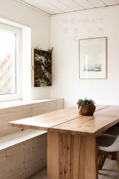Ein Sitzfenster für die Waldmöwe {DIY} - HEIMATBAUM Blog Deco, Wood Art, Double Vanity, Showroom, Sweet Home, Home Decor, Ranch, Berlin, Stage