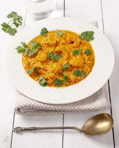 Shrimp curry - easy and tasty keto meal, perfect for any night of the week. Healthy Indian Recipes, Ethnic Recipes, Curry Recipes, Keto Recipes, Keto Curry, Curry Shrimp, Keto Dinner, Quick Meals, Tasty