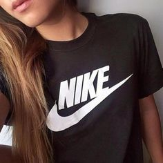 Find our Lowest Possible Price! Cheap Nike Roshe for Sale,! All kinds of nike roshe run shoes on sale! The latest fashion nike roshe run shoes are in the lowest price but the high quality. Nike Free Shoes, Nike Shoes Outlet, Running Shoes Nike, Nike Outfits, Casual Outfits, Casual Shoes, Look Fashion, Teen Fashion, Fashion Tips
