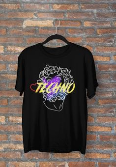 #techno #technomusic #tshirt #festival #god Techno House Music, Tech House, Edm, Must Haves, Shirt Designs, Fresh, Mens Tops, T Shirt, Fashion