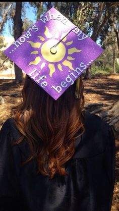 Tangled graduation cap Disney Graduation Cap, Graduation 2016, Graduation Cap Designs, Graduation Cap Decoration, High School Graduation, Graduation Ideas, Graduation Gifts, Preschool Graduation, Nursing Graduation