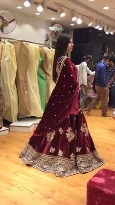 Bridal Lehenga Online, Designer Bridal Lehenga, Indian Bridal Lehenga, Indian Bridal Outfits, Indian Bridal Fashion, Indian Fashion Dresses, Pakistani Bridal Dresses, Indian Designer Outfits, Indian Wedding Guest Dress