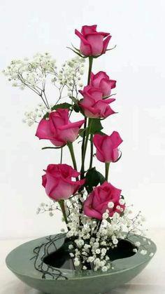 Church Flower Arrangements, Ikebana, Flower Decorations, Glass Vase, Roses, Victorian, Embroidery, Flowers, Plants