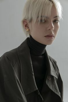 18' Autumne Ore editorial : millo/tender Short Hair Cuts, Short Hair Styles, Pleasing People, Creative Fashion Photography, Mullet Hairstyle, Aesthetic People, Model Face, Hair Photo, Pretty Outfits