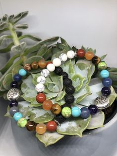 Lotus Chakra Perlenarmband   Etsy Lotus, Chakra Beads, Red Jasper, Carnelian, Stone Beads, Amethyst, Beaded Bracelets, Etsy, Jewelry