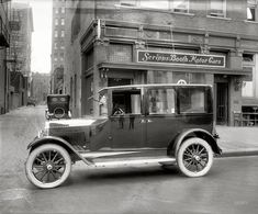 Vintage Cars Evening Photo: Old 1921 Car on Street Vintage Trucks, Old Cars, Vintage Photos, Antique Cars, Peugeot, 1920s Car, Mustang, Car Part Furniture, Classic Cars