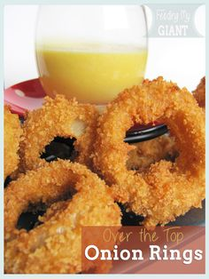 over the top onion rings made many times. best homemade onion rings ever. my family goes crazy when i make these. they are even crispy and fabulous when cold. very important to use very fine bread crumbs. Homemade Onion Rings, Great Recipes, Favorite Recipes, Delicious Recipes, Good Food, Yummy Food, Iftar, Appetizer Recipes, Appetizers