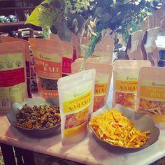 Si las pruebas, las vas a querer  ¡PROMETIDO! #driedfruit #natursnacks #delicioso #singluten #natural #sinhornear #sinfreir #sinconservantes #fruit #fruta #deshidratada #foody #ricorico #piña #naranja #Kale #kalechips #vegan #vegano #nutricion #frutaseca #yummy #foody