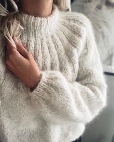 Cozy Sweaters, Sweaters For Women, Knitting Sweaters, Baggy Jumpers, Mohair Sweater, Knit Fashion, Knit Patterns, Pulls, Autumn Winter Fashion