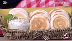 """""""Detto Fatto"""": la ricetta delle tigelle e formaggio alle erbe di Erica Liverani del 16 novembre 2017."""