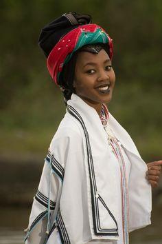 South Africa Xhosa Attire, African Attire, African Wear, African Women, African Fashion, African Traditional Wear, Traditional Outfits, African Print Dresses, African Dress