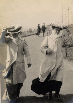 1906, hats and coats, at the beach