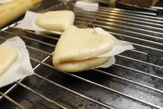 How to Make Sourdough Steamed Buns (Gua Bao): 8 Steps (with Pictures) Sourdough Rolls, Sourdough Recipes, Baking Buns, Bread Baking, Asian Recipes, Healthy Recipes, Healthy Food, Steamed Bao, Gua Bao