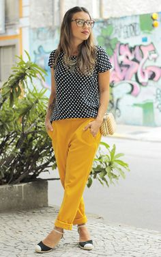 i like the casual drape of these pants.  really like the whole outfit because it can be dressed up or down