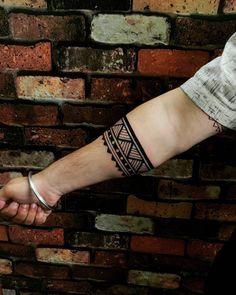Armband Tattoo Design, Tattoo Designs, Arm Band Tattoo, Tattos, Instagram, Maori, Tatuajes, Armband Tattoo, Tattooed Guys