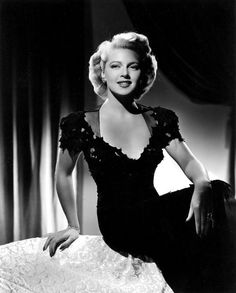 Lana Turner, What a beauty and great actress she was! Lana Turner, What a beauty and great actress she was! Hollywood Icons, Old Hollywood Glamour, Hollywood Fashion, Golden Age Of Hollywood, Vintage Hollywood, Hollywood Stars, Hollywood Actresses, Classic Hollywood, 50s Actresses