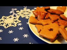 Gingerbread Cookies, Carrots, Food And Drink, Sweets, Vegetables, Christmas, Youtube, Rabbits, Gingerbread Cupcakes