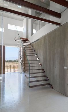 Share and join if you like Art & Architecture Page! Staricase At House 0614 in Cyprus By Simpraxis Architects - posted by Nefeli Aggellou Architecture Details, Interior Architecture, Interior Design, Escalier Design, Stair Detail, Stair Handrail, Glass Balustrade, Modern Stairs, Interior Stairs
