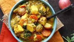 Grilled Veggie Kebabs with Creamer Potatoes & Tofu » I LOVE VEGAN Vegetable Kebabs, Veggie Skewers, Vegetable Dishes, Vegan Baked Potato, Coconut Curry Soup, Vegan Lunches, Grilled Veggies, Vegan Baking, Potato Recipes