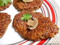 """En cherchant une alternative aux steaks de légumineuses avec leur texture plus ou moins farineuse, ou à ceux au seitan ou au tofu, on a eu l'idée de faire appel aux champignons pour leur côté légèrement spongieux qui donne une texture intéressante. On craignait de ne pas parvenir à les lier, mais ça tient parfaitement! Ces «steaks» aux champignons, plus légers que ceux aux légumineuses, très appétissants seront parfaits en plat principal ou en burgers.  Recette """"Steaks"""" aux champign..."""